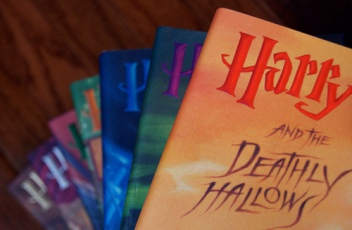 beautiful-books-cool-harry-potter-saga-Favim.com-408128
